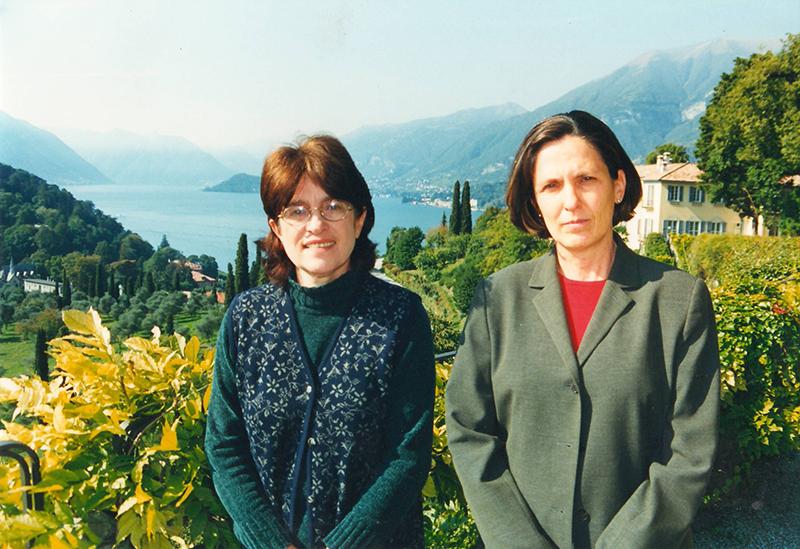 Con Yolanda en Bellagio preparando la antología de escritoras venezolanas, 1999.