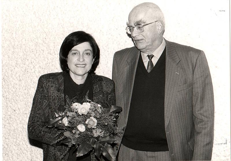 Con Pierre Radvanyi, hijo de Anna Seghers, en la entrega del premio Anna Seghers en Berlín, 2001.
